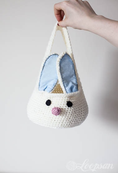 Get the free crochet pattern for this bunny basket. Lots of other great bunny crafts here, too.