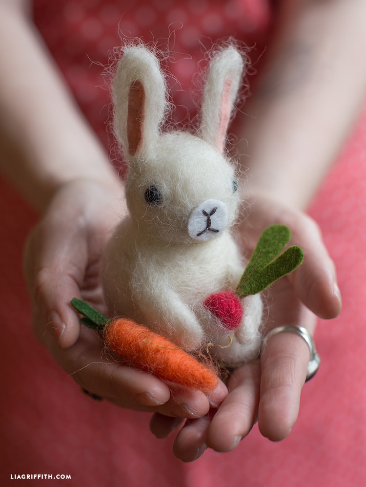 Learn how to make this felted bunny. Lots of other great bunny craft ideas here, too.