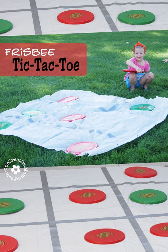 DIY Frisbee Tic Tac Toe Backyard Party Game, plus really great ideas for fun DIY backyard party games to try.