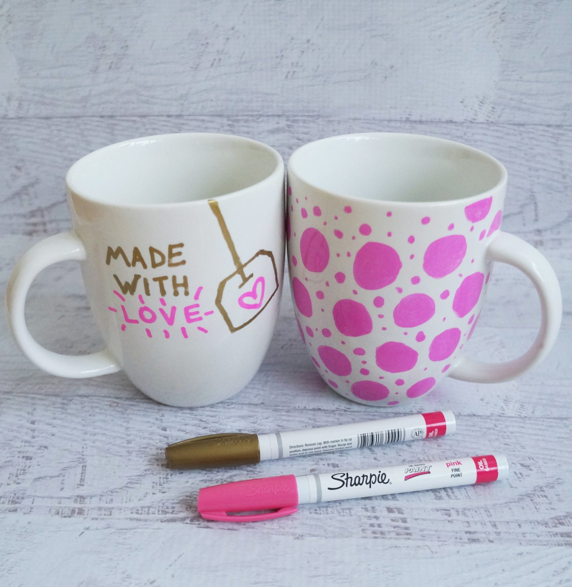 Simple DIY sharpie mug idea for Mother's Day gift. Click through for more mug ideas.