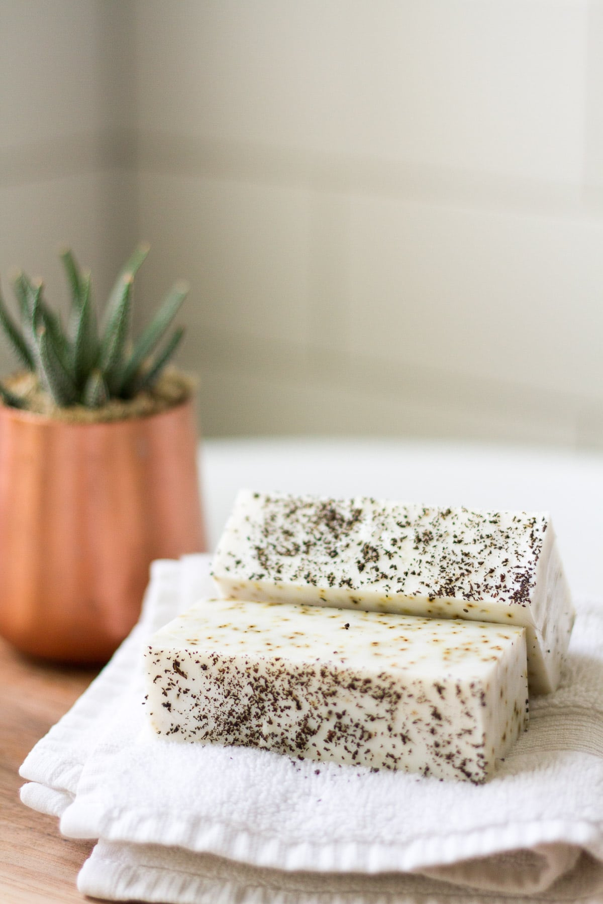 These homemade soaps are great for gifts or to keep for your own Fall pampering. Make these for your next home spa day!