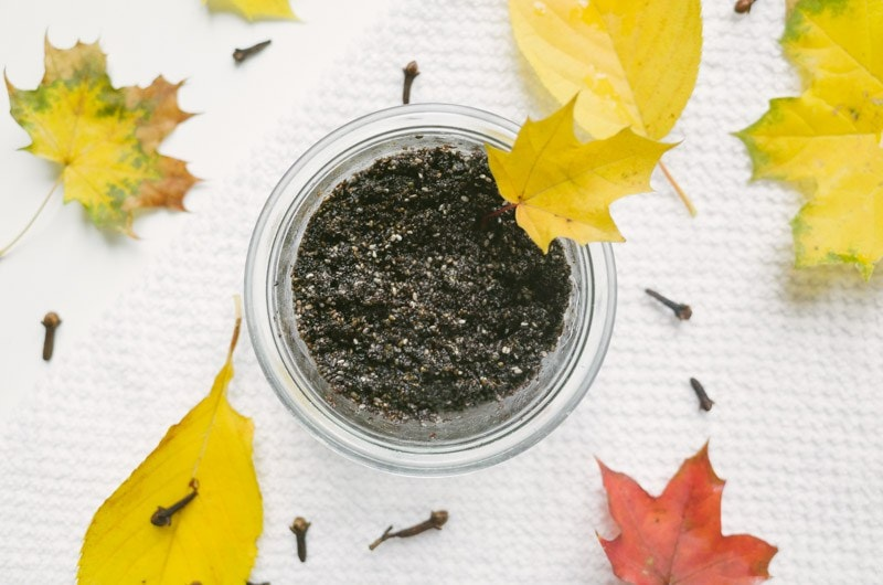 Perfect DIY spa day scrub recipe for Fall. Also check out the other amazing DIY Spa Treatments ideas and recipes here.