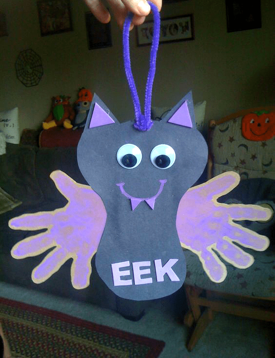 Eek! Handprint bat craft for Halloween