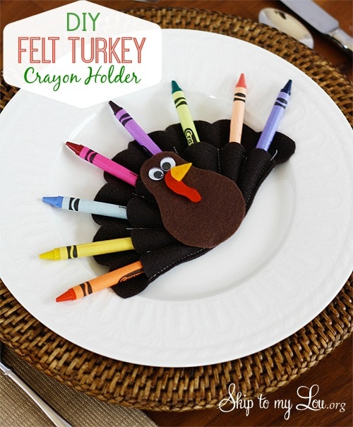 This felt turkey crayon holder is super easy to make. If you don't sew, try using a thin bead of hot glue where the stitching should go. Use these on your Thanksgiving kids table for guaranteed smiles from the kiddos.