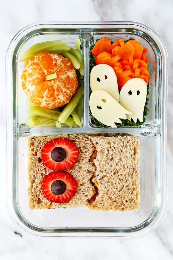 Looking for some fresh ideas for your kids Halloween lunch? Check out this list of creepy cute Halloween lunch ideas for simple, healthy lunch ideas.