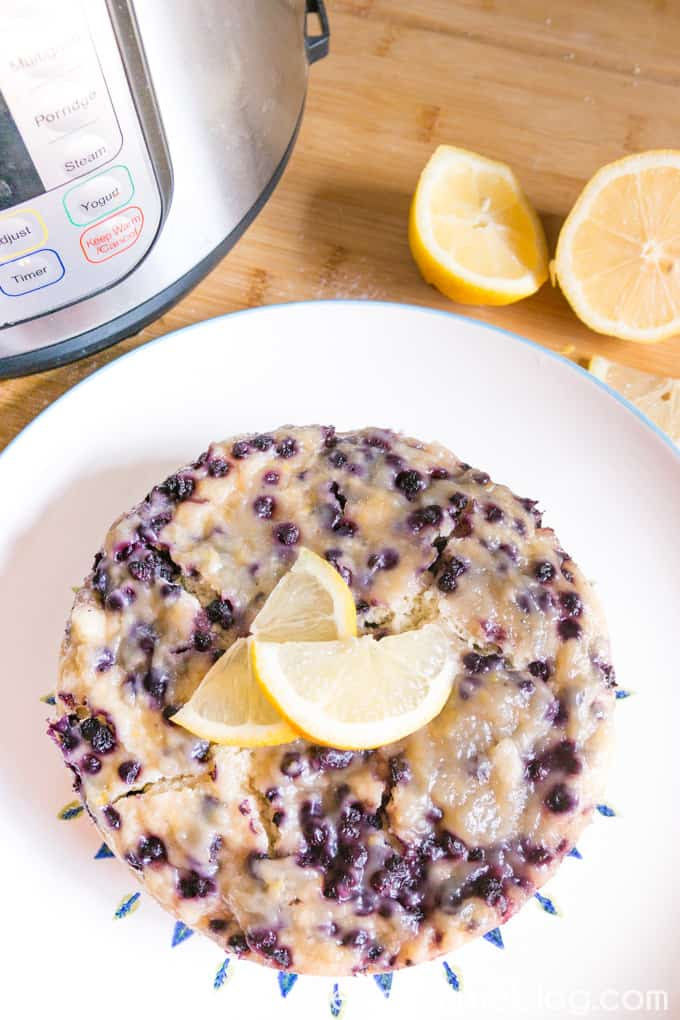 Instant pot breakfast recipe for beginner: Make this lemon blueberry breakfast cake with your new Instant pot! #InstantPotRecipes