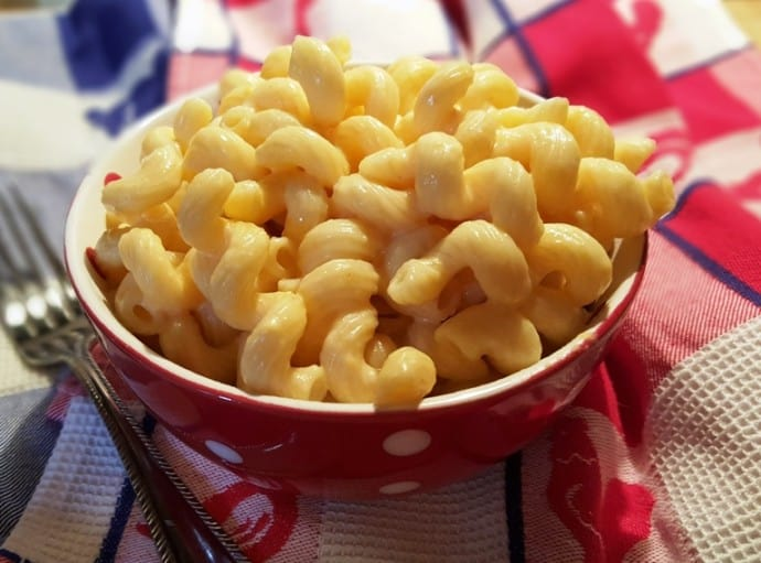 Dump recipes for Instant Pot: Try this macaroni and cheese Instant Pot recipe from This Old Gal