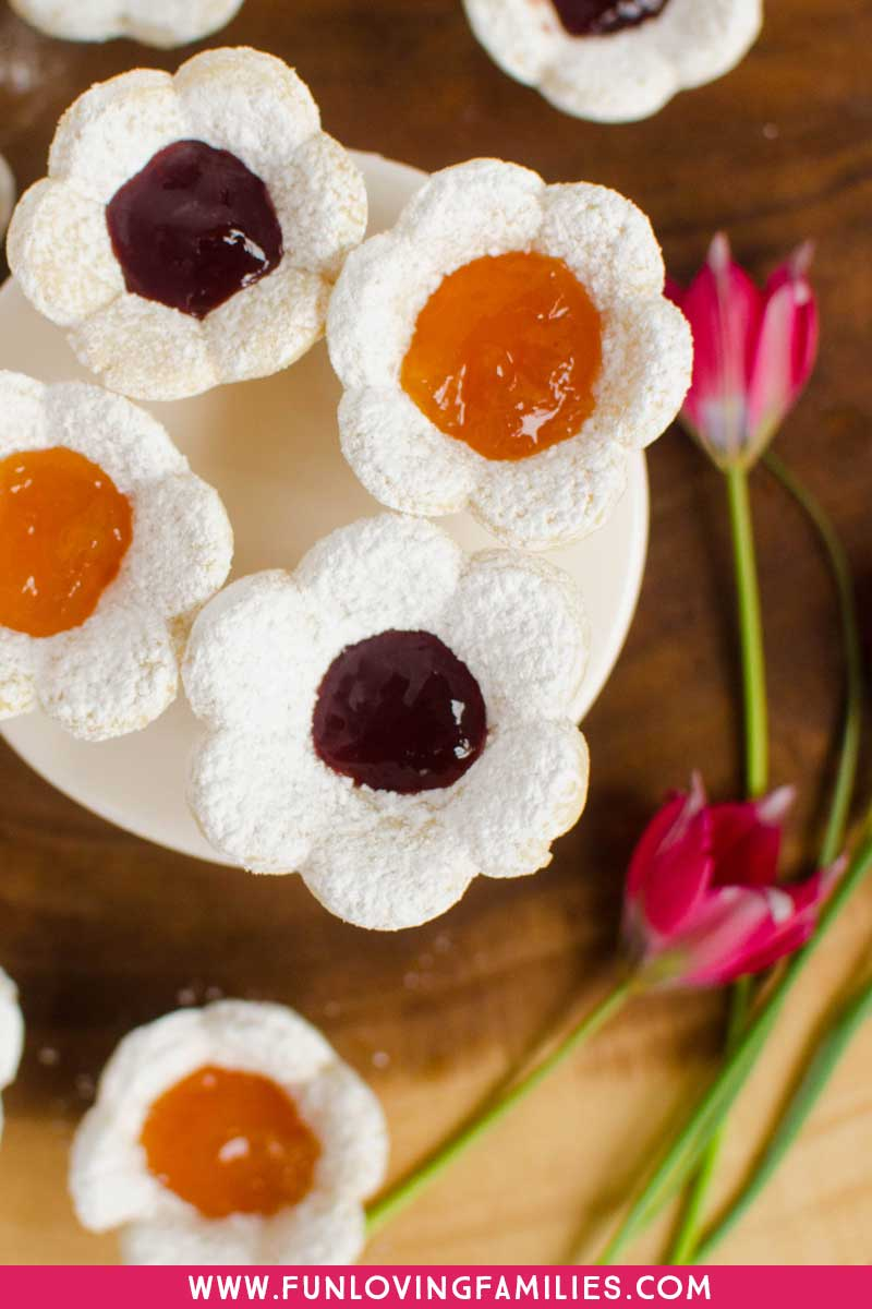 cookies shaped like flowers