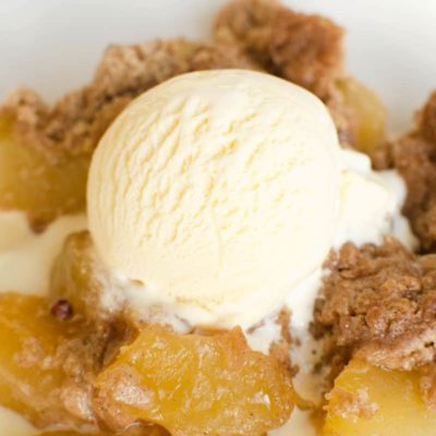 Easy Instant Pot dessert recipe that's perfect for Fall. Make this 3 ingredient apple spice dump cake in your Instant Pot. Start to finish in under an hour. #applespice #fallrecipes #instantpot #pressurecooker #instantpotdessert #instantpotrecipe #instantpotdumprecipe #instantpotdumpcake #easyinstantpotrecipe