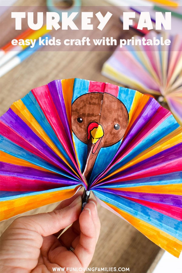 Easy turkey craft for kids: Make these corlorful paper turkey fans with the kids. Just print the template, color, and fold! #turkeycraft #thanksgivingcraft #thanksgivingkidscraft #easythanksgivingcraft #thanksgivingkidscrafts #papercraft #printablecraft #funlovingfamilies