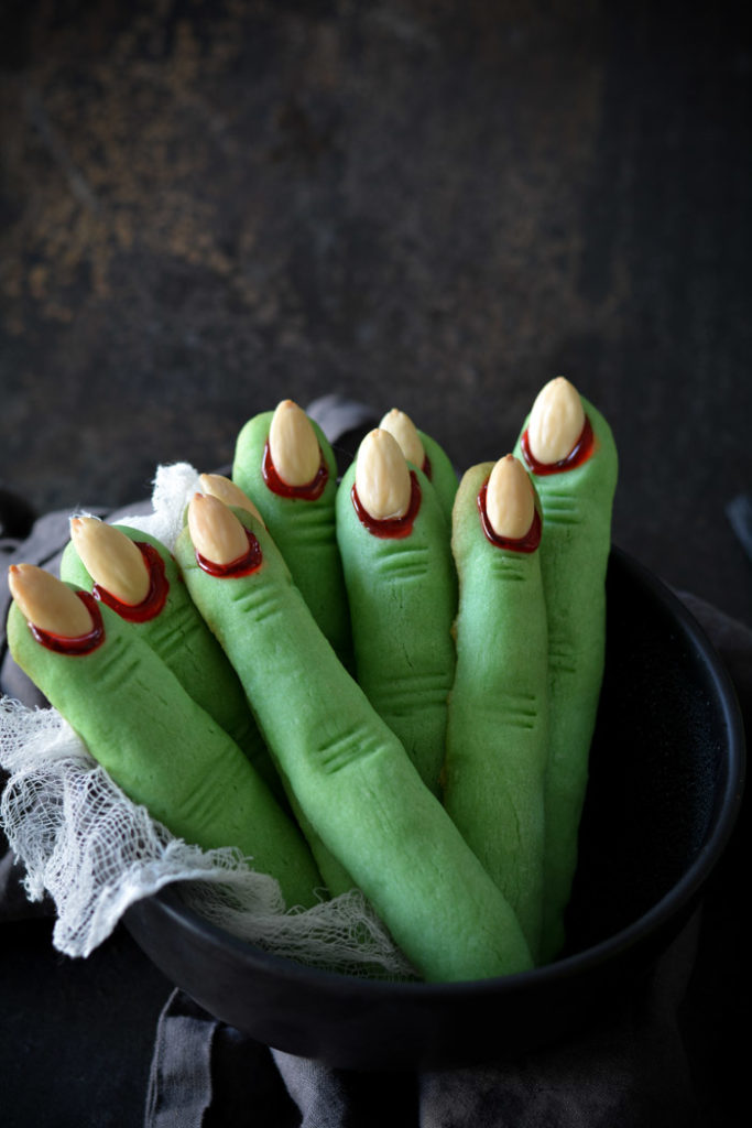 green witch finger shaped cookies