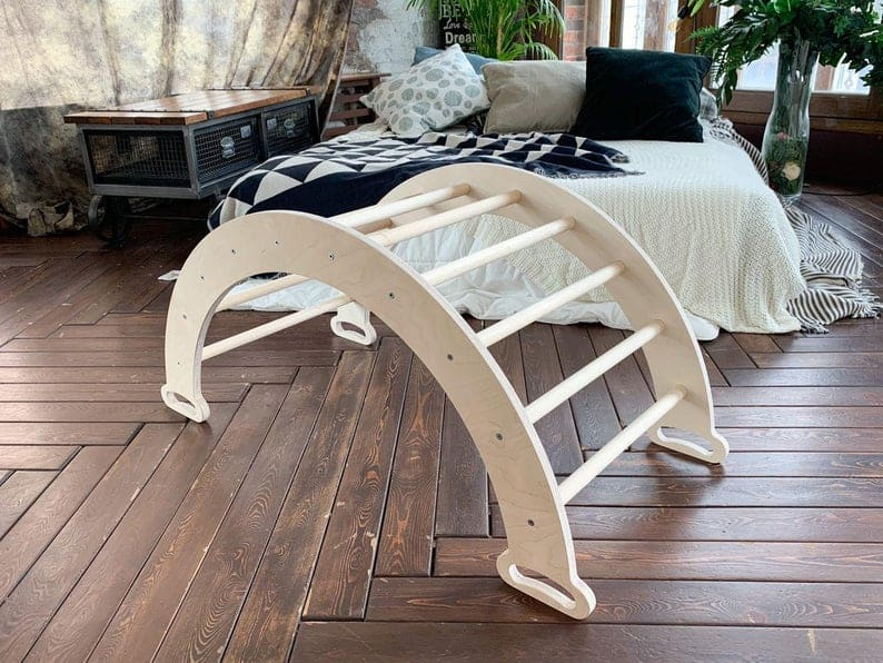 Climbing arch for toddlers